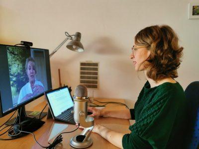 Eva Lettenbauer in ihrem Homeoffice beim gesundheitspolitischen Gespräch mit Dr. Ulrike Bechtel per Videokonferenz