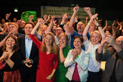 Die bayerischen Grünen jubeln in München über das Wahlergebnis bei der Europawahl