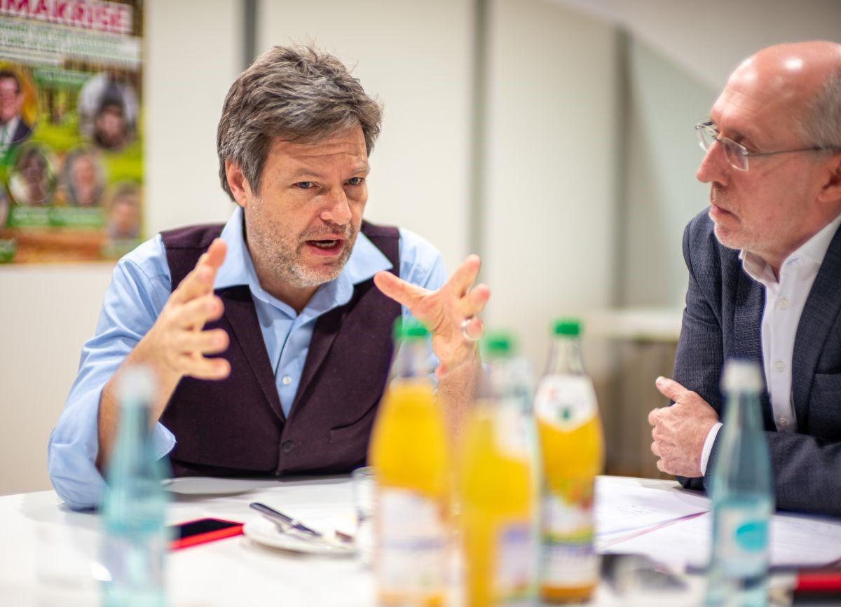 Robert beim Interview mit dem Main-Echo am 31.1.20 in Aschaffenburg