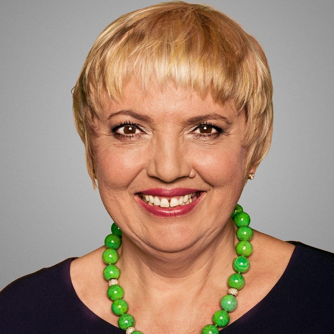 Claudia Roth Schont Ihren Lebenslauf Youtube 14