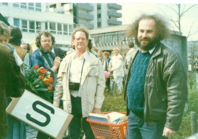 881.000 Menschen erhoben Einwendung gegen den Bau der WAA. Die GRÜNEN bringen diese gesammelt zur Staatsregierung.