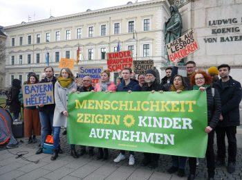 Protestaktion der Grünen vor dem bayerischen Innenministerium für ein bayerisches Aufnahmeprogramm für die Geflüchteten auf Lesbos