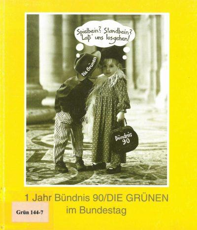 """Broschüre der ostdeutschen Bundestagsgruppe von BÜNDNIS 90/DIE GRÜNEN aus dem Jahr 1991 mit zwei feixenden Kindern und einer Denkblase mit dem Text """"Spielbein? Standbein? Lass' uns losgehen!"""""""
